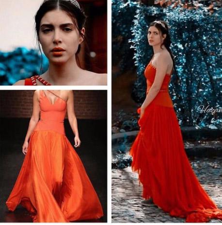Hazal'ın giydiği kırmızı elbisenin markası Aslı Alev