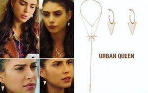 Fazilet Hanım ve Kızları Hazan Kıyafetleri Hazan üçgen küpe ve kolye markası Urban Queen.